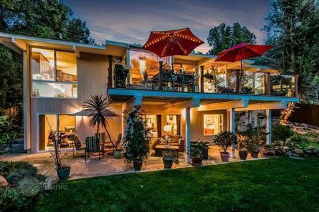 anuncio 1401602 en calabasas california estados unidos casa de pueblo inmuebles en el. Black Bedroom Furniture Sets. Home Design Ideas